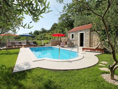 Photo for Villa Vultana with heated pool, 4 bedrooms, 3.5 bathrooms, 10 persons max