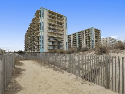 Photo for LINENS & DAILY ACTIVITIES INCLUDED! Ocean views from living room and bedroom balconies
