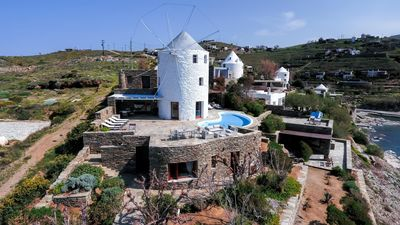 Photo for Perfect located holiday home with pool directly at the sea, Wifi | Koundouros, K