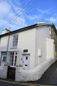Photo for 2 Bedroom, sleeps 4,18th Century Cottage in the centre of Aberdovey, Pet Friendl