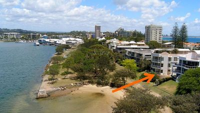Photo for Mariner Cove 1 - Luxurious 2 Bedroom Unit on the Canal and 100 Metres to the Beach