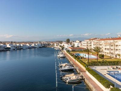Photo for 2BR Apartment Vacation Rental in Empuriabrava, Catalonia