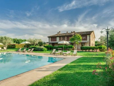 Photo for Holiday apartment Tavarnelle Val di Pesa for 2 - 4 persons with 2 bedrooms - Holiday apartment