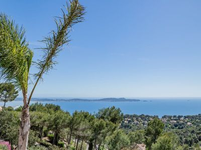 Photo for Exceptional villa, sea view, pool and terraces, quiet