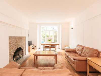 Photo for Beautiful West End Flat With A Private Garden