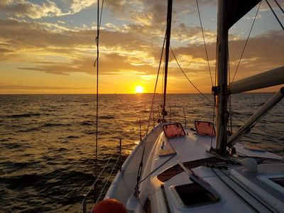 Photo for Relentless - Hunter 466 Sailboat: Sleeps 5 in style and comfort