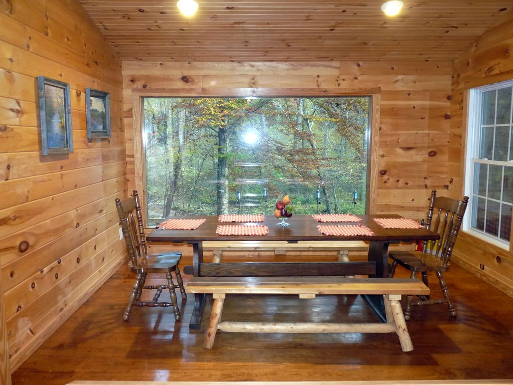 Beautiful River Cabin W Screen Porch Amp Deck Over Looking