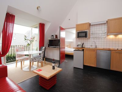 Photo for 10% discount in May: 2-room apartment with French balcony near nature and the center