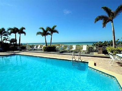 Beautiful Condominium on the Beach, Sleeps 7 Sunset Paradise Condominium 09