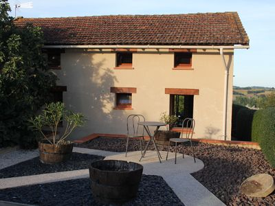 Photo for Comfortable cottage for 2-4 in a quiet village with pool and views