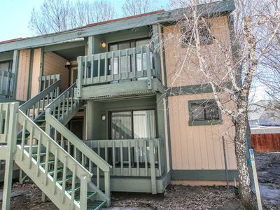 Photo for Boulder Bay Lakeside Suite Condo - Walk to Lake! WiFi and Cable TV! Free 2 hour Bike/Kayak Rental!