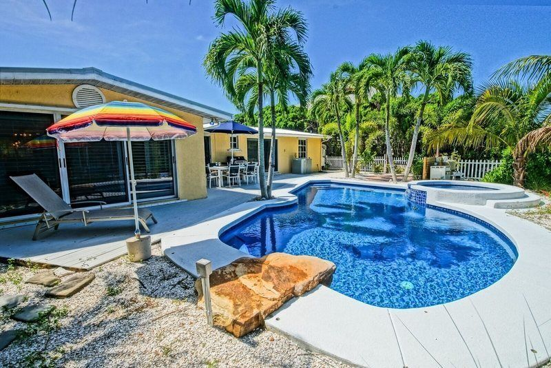 Amazing new rental private basketball court kayak launch and luxury pool spa and basketball court in backyard