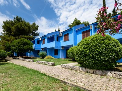 Photo for 2BR Apartment Vacation Rental in Seget Donji, Dalmatien