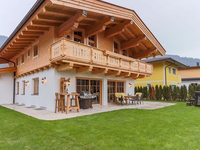 Photo for Detached, modern villa with sauna and jacuzzi at <1 km from the Salvista lift