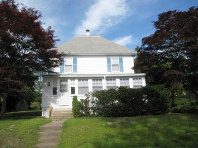 Baby & Pet Friendly, Central AC, 4 BR sleeps 8, Traveling Nurse Welcome