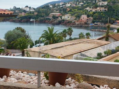Photo for F9 Large bright apartment, 3 rooms, beach at 50m, swimming pool and sea view