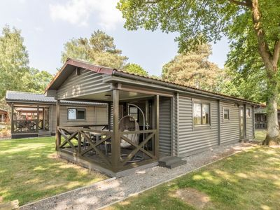 Photo for 4-6-person chalet in the holiday park Landal Mooi Zutendaal - in the woods/woodland setting