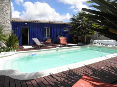 Photo for Cozy nest with terrace and pool on Oléron