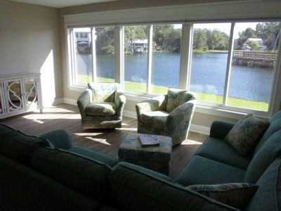 Waterfront 2 bd/2 ba Condo on beautiful Hunter Springs