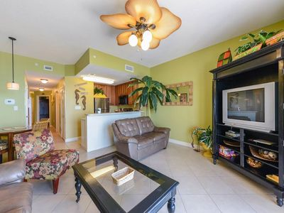 Photo for Charming Gulf-front condo, Beach set-up included, Free Wi-Fi, On-site pool and hot tub