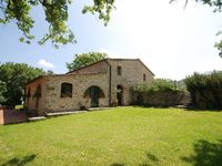 Wonderful setting, attentive host and a good base for a large group holiday.