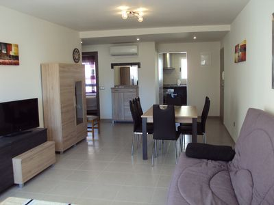 Admirable Large 2 Bedroom Apartment With Private Patio Sleeping 6 People Benidorm Home Interior And Landscaping Ologienasavecom