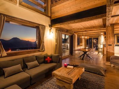 Photo for Spacious chalet at the foot of the slopes