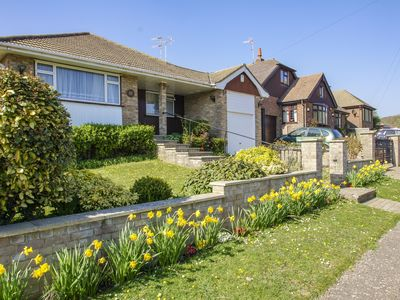 Photo for Dean Court Bungalow:3 bedroom, sleeps 6, parking, garden, wheel chair accessible
