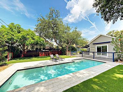 "Photo for New Listing! Bayside ""Open Arms"" w/ Large Fenced Yard & Pool - Walk to Beach"
