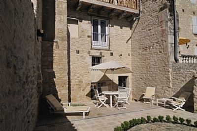 Photo for Townhouse: 200-year-old Beautiful Stone-built House In Castelnau Montratier
