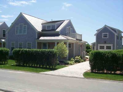 Nantucket charming home & Guest cottage near historic town and best beaches