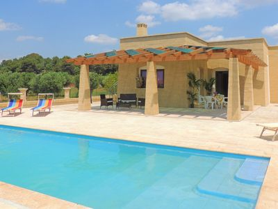 Photo for Villa with pool, 2km from the beaches