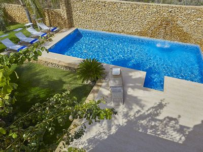 Photo for Villa with splendid pool near the beaches, 4 bedrooms