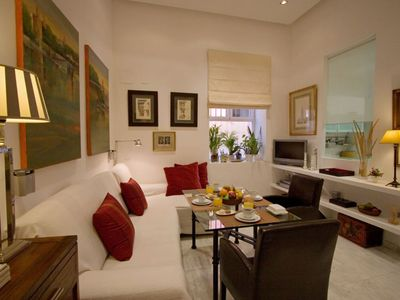 Photo for Castellar apartment in Casco Antiguo with WiFi & private parking.