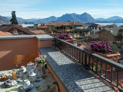 Photo for Apartment with lake view, balcony, 2 bedrooms and Wi-Fi in Baveno, Lake Maggiore