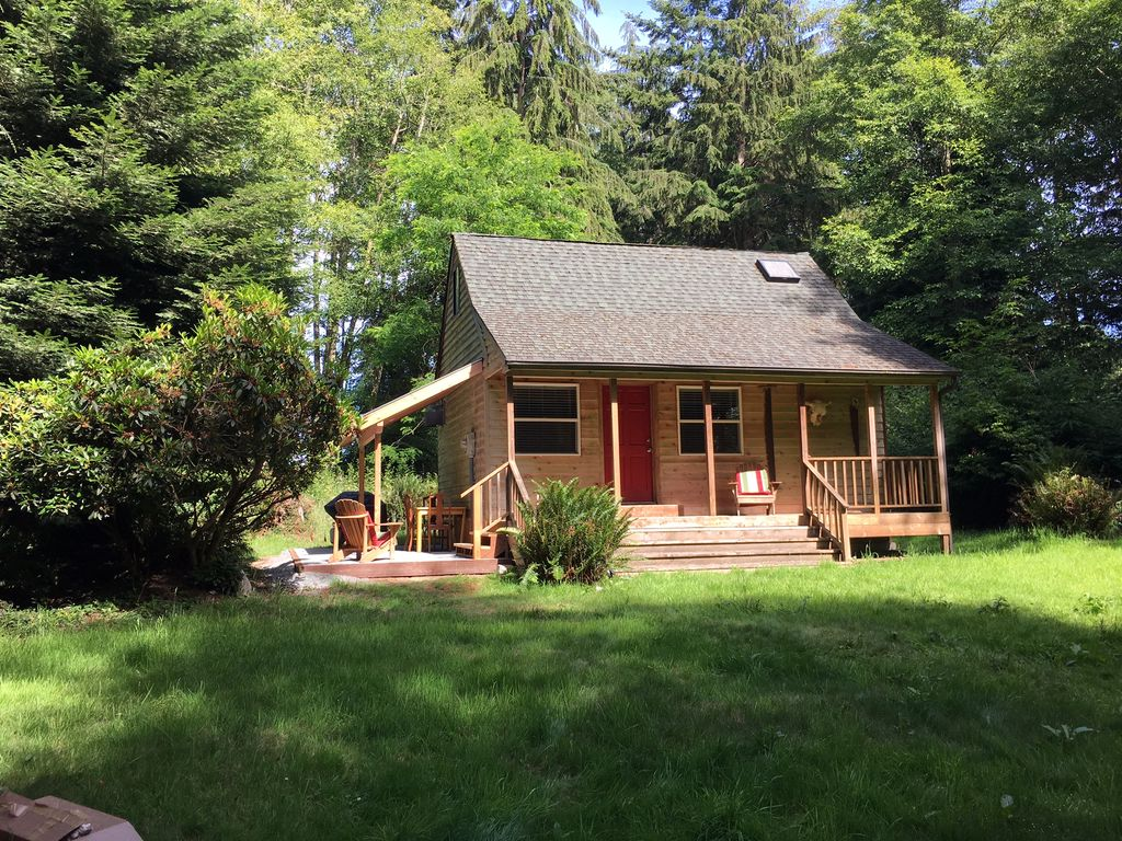 Private 5 acre whidbey island cabin writer 39 s retreat 1 for Writers retreat cabin