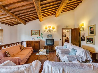 Photo for Family apartment in the countryside between Siena and Florence