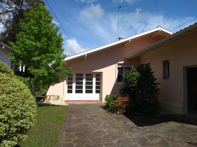 Photo for Detached house - 3 bedrooms - beach and center on foot