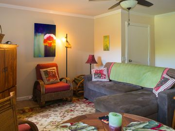 Affordable and Beautifully Decorated Condo, Perfect For Couples