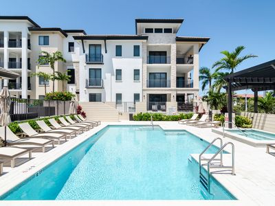 Photo for NAPLES SQUARE - Downtown Naples Luxury Condo, Brand New!