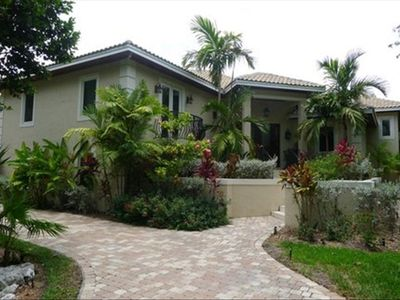 Fabuous 5 BR/ 51/2 BA home located on the Harbour golf course of Ocean Reef