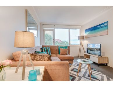 Photo for Cute, well-lit apartment with harbour views
