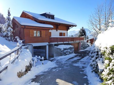 Photo for Vacation home Chalet Petit Pont  in Villars, Alpes Vaudoises - 10 persons, 5 bedrooms