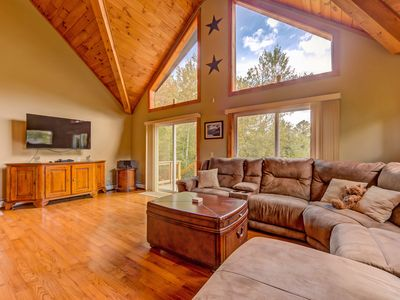 Gorgeous Home in the heart of the White Mountains!