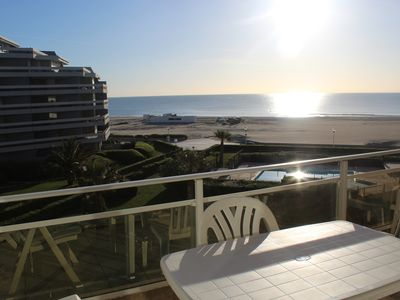 Photo for Flat 2BDR with sea view and direct beach access 70 m² 6 P near spa