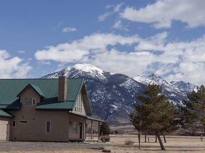 Photo for Great home with stunning mountain views.