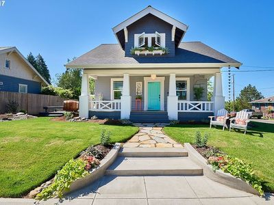 Photo for Oregon Wine Country Cottage - Steps to downtown Carlton