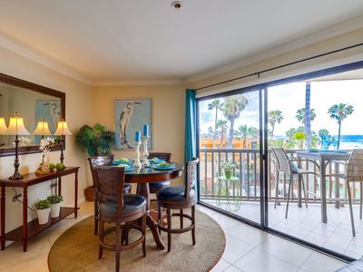 Ocean Front Condo in Pacific Beach with Jacuzzi