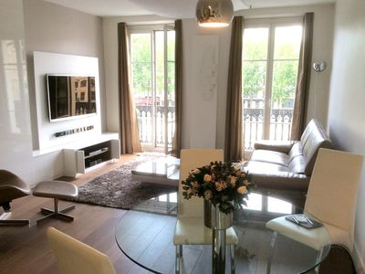 Photo for Apartment in the center of Paris with Internet, Lift, Balcony, Washing machine (540547)