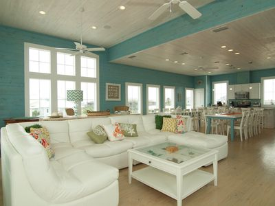 Living Area - Plush white leather couch, tons of seating and amazing gulf views!